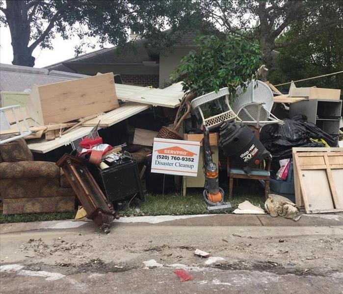 Storm Damage Helping Texas clean up