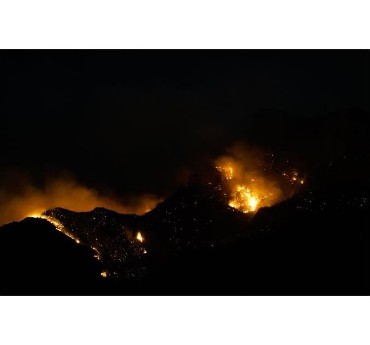 Wildfire picture taken at night